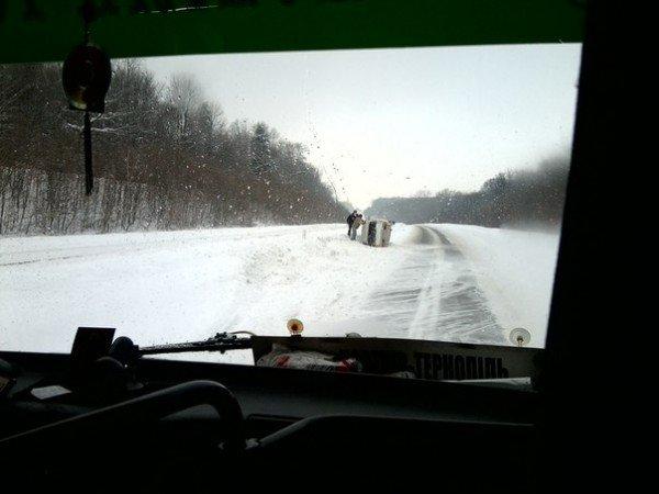 Під Тернополем перевернулась автівка (фото), фото-4