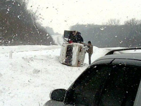 Під Тернополем перевернулась автівка (фото), фото-3