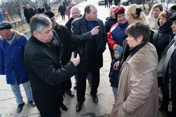 В Симферополе свернули стройку на детской площадке. Власти обещают – застройщикам дадут другие участки (фото), фото-3