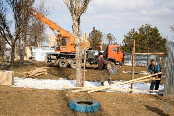 В Симферополе свернули стройку на детской площадке. Власти обещают – застройщикам дадут другие участки (фото), фото-4