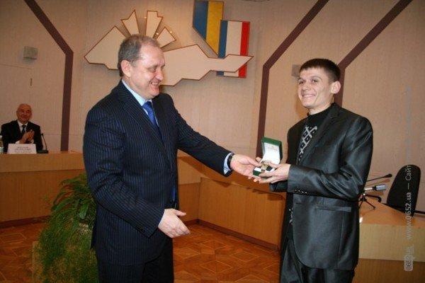 Могилев подарил часы опальному бизнесмену Бейму (фото), фото-3