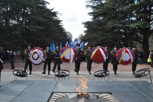В Симферополе раздали медали и почетные грамоты лучшим защитникам Отечества (фото), фото-1