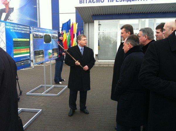 Президент принял участие в открытии Ледовой Арены в Днепропетровске (ФОТО), фото-1