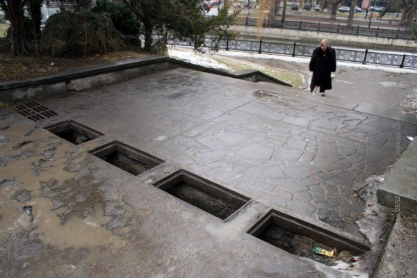 Симферопольские «металлисты» «раздевают» центральные улицы города (фото), фото-3