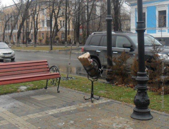 Весну в Симферополе встречают мусором (фото), фото-5
