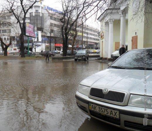 Центр Симферополя уходит под воду (фото), фото-2