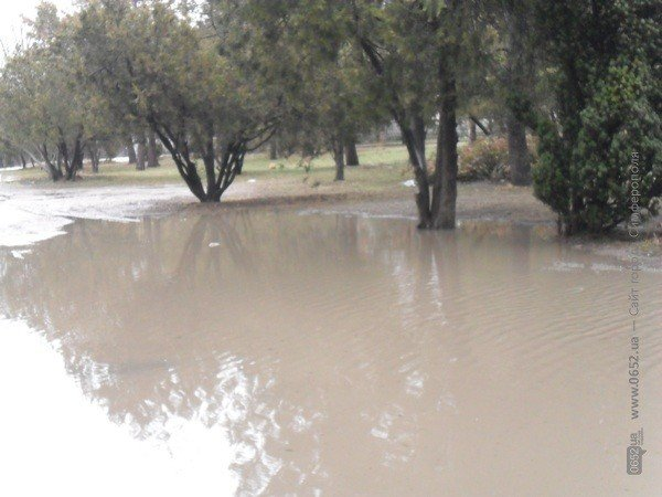 Центр Симферополя уходит под воду (фото), фото-4