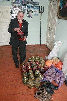 Тернопільський «морж» Михайло Рибак замерзає в хаті без опалення, фото-3