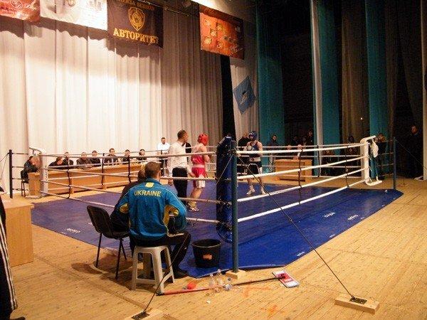Успех горловских боксёров: три чемпионских титула в Чемпионате Донецкой области, фото-2