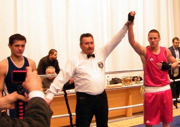 Успех горловских боксёров: три чемпионских титула в Чемпионате Донецкой области, фото-3