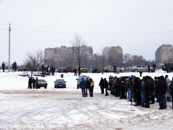 Вчера на площади Революции горловчанам раздали более 3000 бесплатных блинов, фото-3