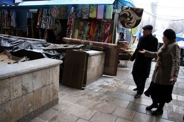 Власти Симферополя не могут справиться со стихийщиками на Центральном рынке (фото), фото-2