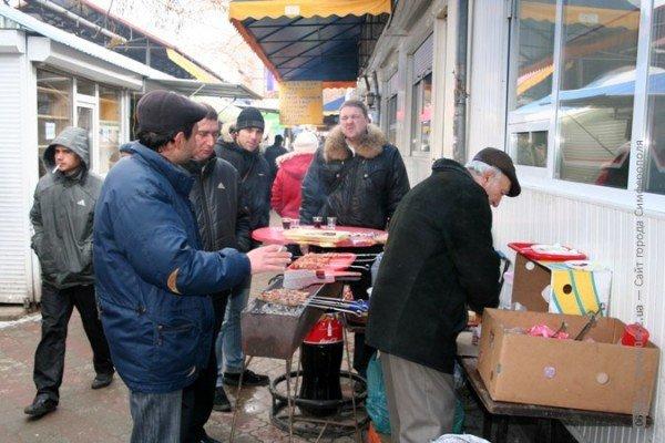 Власти Симферополя не могут справиться со стихийщиками на Центральном рынке (фото), фото-6