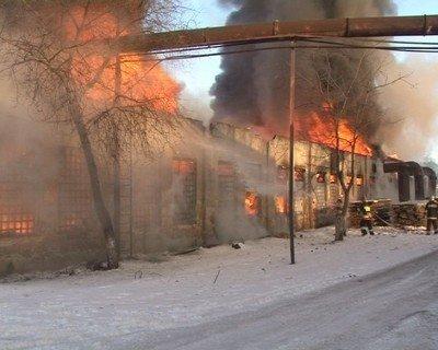 У Львові згоріли деревообробні цехи, фото-7