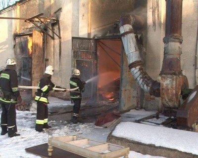 У Львові згоріли деревообробні цехи, фото-6