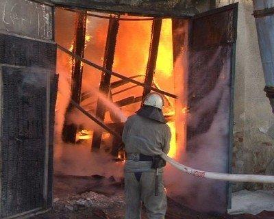 У Львові згоріли деревообробні цехи, фото-5