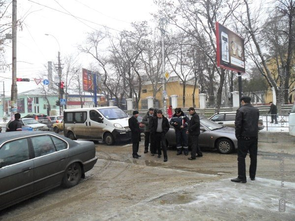 ДТП в Симферополе: минивэн «поцеловал» легковушку (фото), фото-4