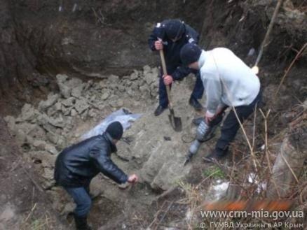 В Крыму неизвестные замуровали мужчину в бетон (фото), фото-1