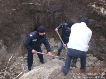 В Крыму неизвестные замуровали мужчину в бетон (фото), фото-2