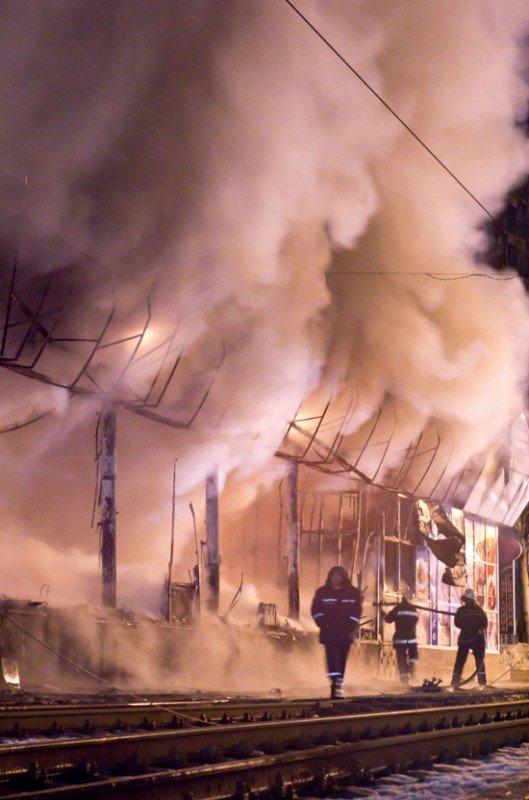 Как в Донецке горел «Истамбул» - уникальные фото, снятые очевидцем (фото), фото-3