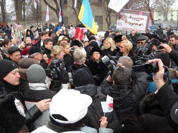 Под Качановской колонией прошел митинг с участием ВО «Батьківщина» и чернобыльцев (фоторепортаж), фото-6