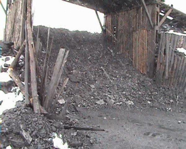 В Свердловске милиция накрыла копанку, где с шахтерами обещали расплачиваться углем (ФОТО), фото-10