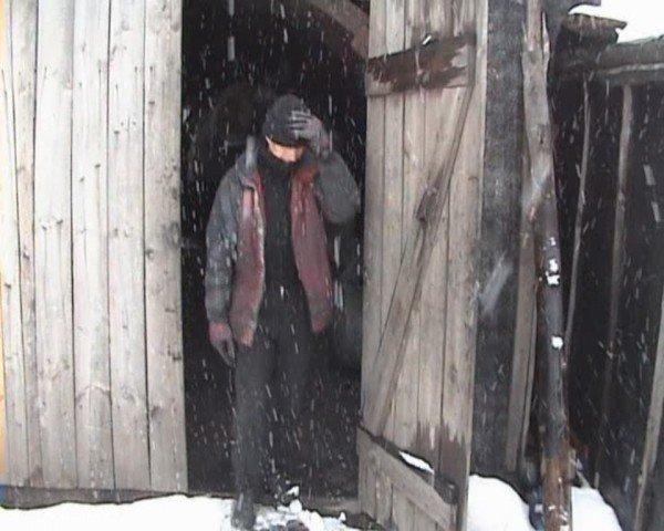 В Свердловске милиция накрыла копанку, где с шахтерами обещали расплачиваться углем (ФОТО), фото-6