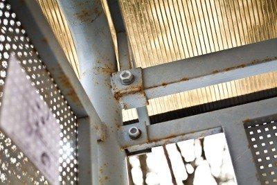 Дорогу Львів-Краківець «прикрасили» іржавими зупинками за 420 тис грн, фото-1