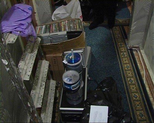 В Донецке торговца самопальными дисками будут судить за продажу фильмов «пропагандирующих культ насилия и жестокости» (фото), фото-2