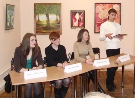 Юные горловские художницы в своих картинах рассказывают о «Свободе ощущений», фото-1