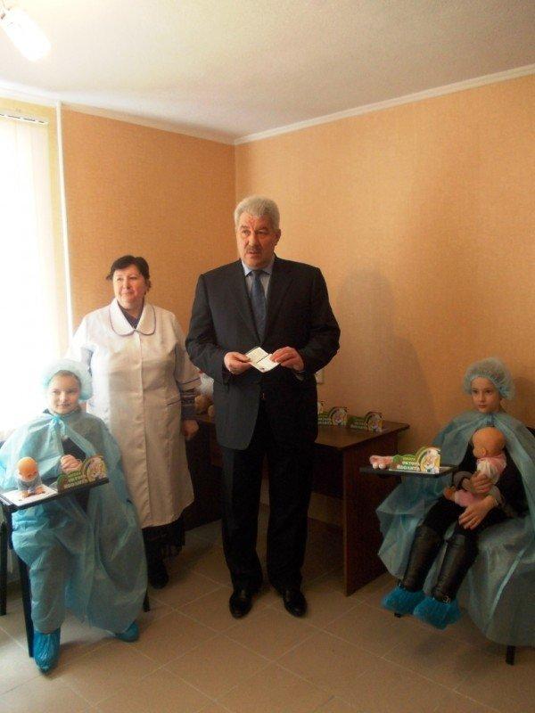 В Артемовске будущих медиков научат спасать жизни на реанимационном тренажере (ВИДЕО), фото-8
