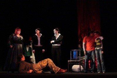 В львівському театрі розіграють життя двох наркоманів, фото-1