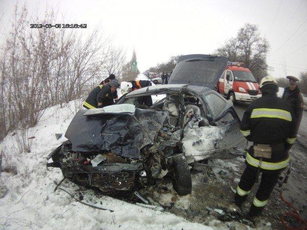 В Донецкой области 18-летний водитель, недавно получивший права, выехал на встречную полосу и убил двух человек (фото), фото-5