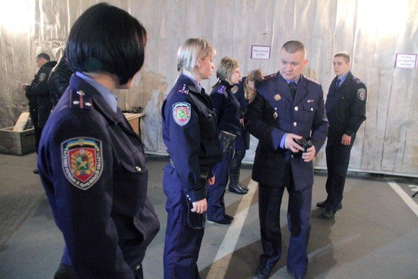 Харьковчанки-милиционеры отметили 8 Марта соревнованиями по стрельбе (фоторепортаж), фото-9