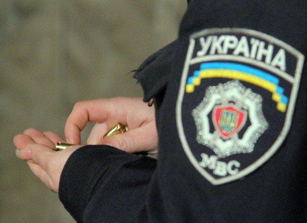 Харьковчанки-милиционеры отметили 8 Марта соревнованиями по стрельбе (фоторепортаж), фото-11