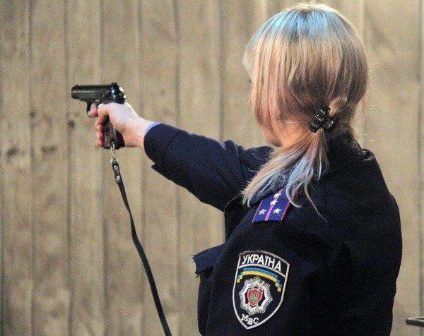 Харьковчанки-милиционеры отметили 8 Марта соревнованиями по стрельбе (фоторепортаж), фото-12