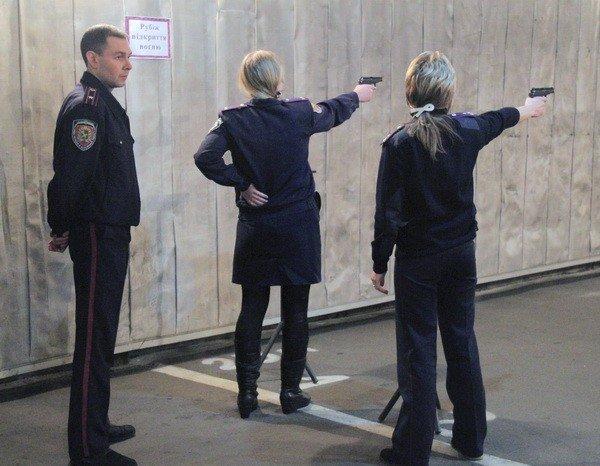 Харьковчанки-милиционеры отметили 8 Марта соревнованиями по стрельбе (фоторепортаж), фото-5