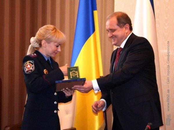 Накануне 8 Марта Могилев читал дамам стихи и раздавал индульгенции от ГАИ (фото), фото-6