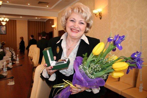 Накануне 8 Марта Могилев читал дамам стихи и раздавал индульгенции от ГАИ (фото), фото-11
