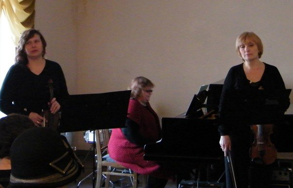 Музыкальная школа №1 преподнесла горловским  любителям классической музыки весенний подарок, фото-1