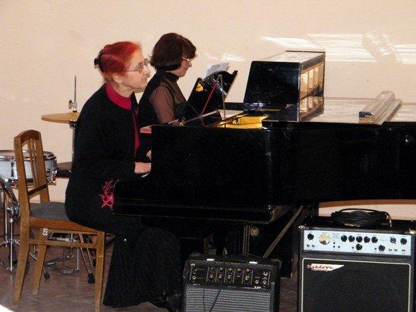 Музыкальная школа №1 преподнесла горловским  любителям классической музыки весенний подарок, фото-3