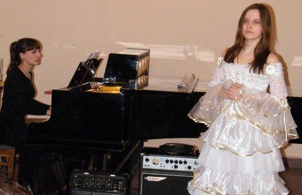 Музыкальная школа №1 преподнесла горловским  любителям классической музыки весенний подарок, фото-4