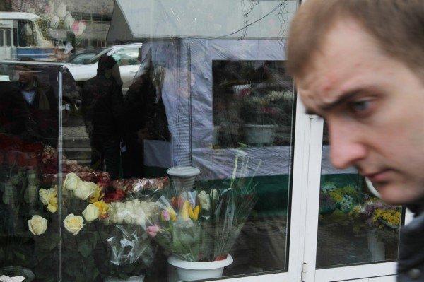 «Золотые» букеты — цены на цветы в Донецке подскочили до заоблачных высот (фото), фото-4