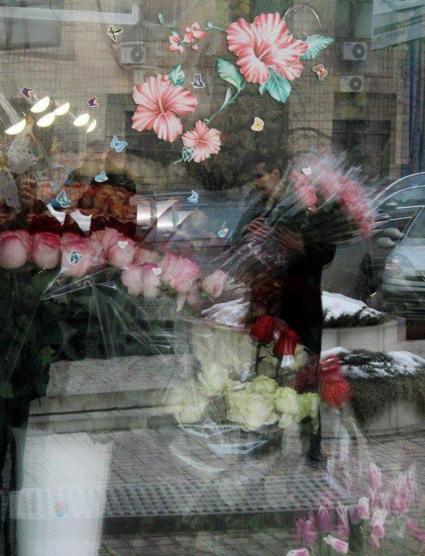 «Золотые» букеты — цены на цветы в Донецке подскочили до заоблачных высот (фото), фото-2