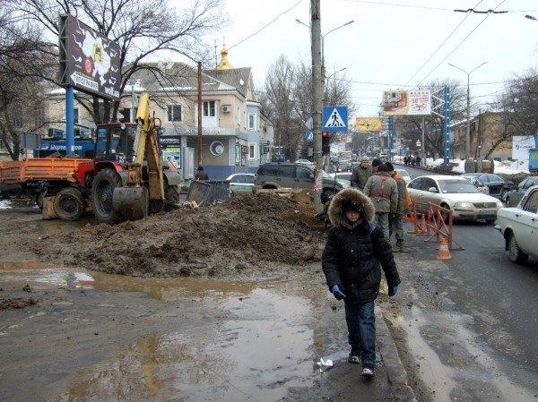Изношенная водопроводная сеть Донецка уже не выдерживает  перепад температур (фото), фото-1