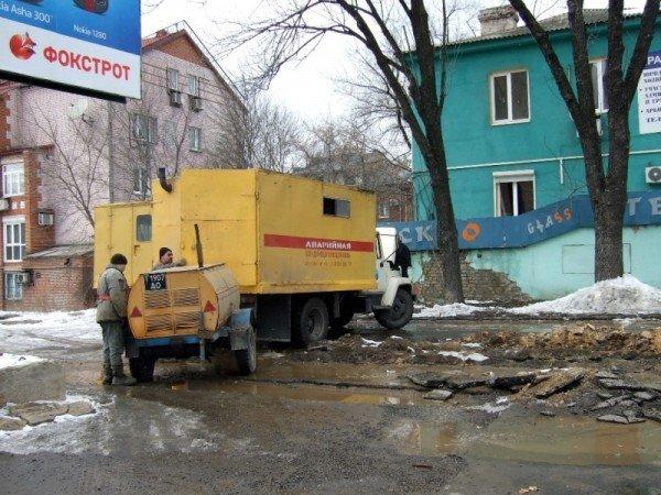Изношенная водопроводная сеть Донецка уже не выдерживает  перепад температур (фото), фото-3