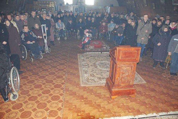 У Луцьку молилися за допомогою сурдоперекладача (ФОТО), фото-2
