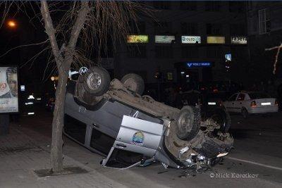 У Львові авто спецпідрозділу «Беркут» зіткнувся з «Шевроле»: є потерпілі, фото-2