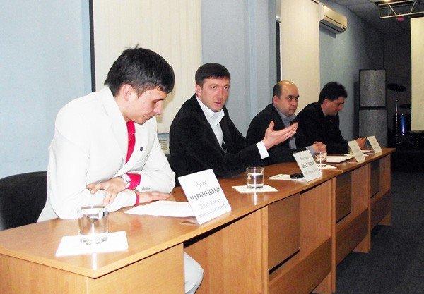 Горловская оппозиция: общественному совету быть, а вот признаки коррупции во власти будут пресекаться, фото-1