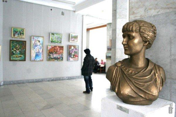 В Симферополе можно посмотреть «Весеннюю выставку» (фото), фото-3